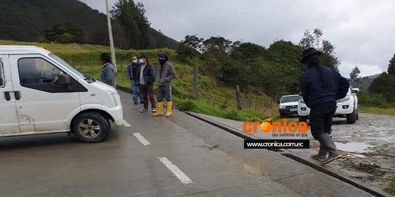 Población indígena de Ilincho amenaza con cerrar la vía alterna de manera definitiva.