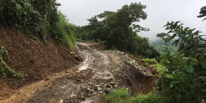 Vías de la provincia continúan con inconvenientes por las lluvias.