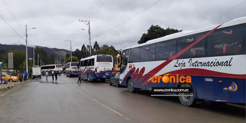 Vía Loja Cuenca, sector Carigán, cerrada