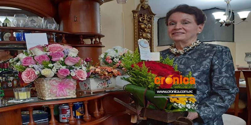 Adriana Duclos Valdivieso como Madre Símbolo de la entidad para el período 2021-2022